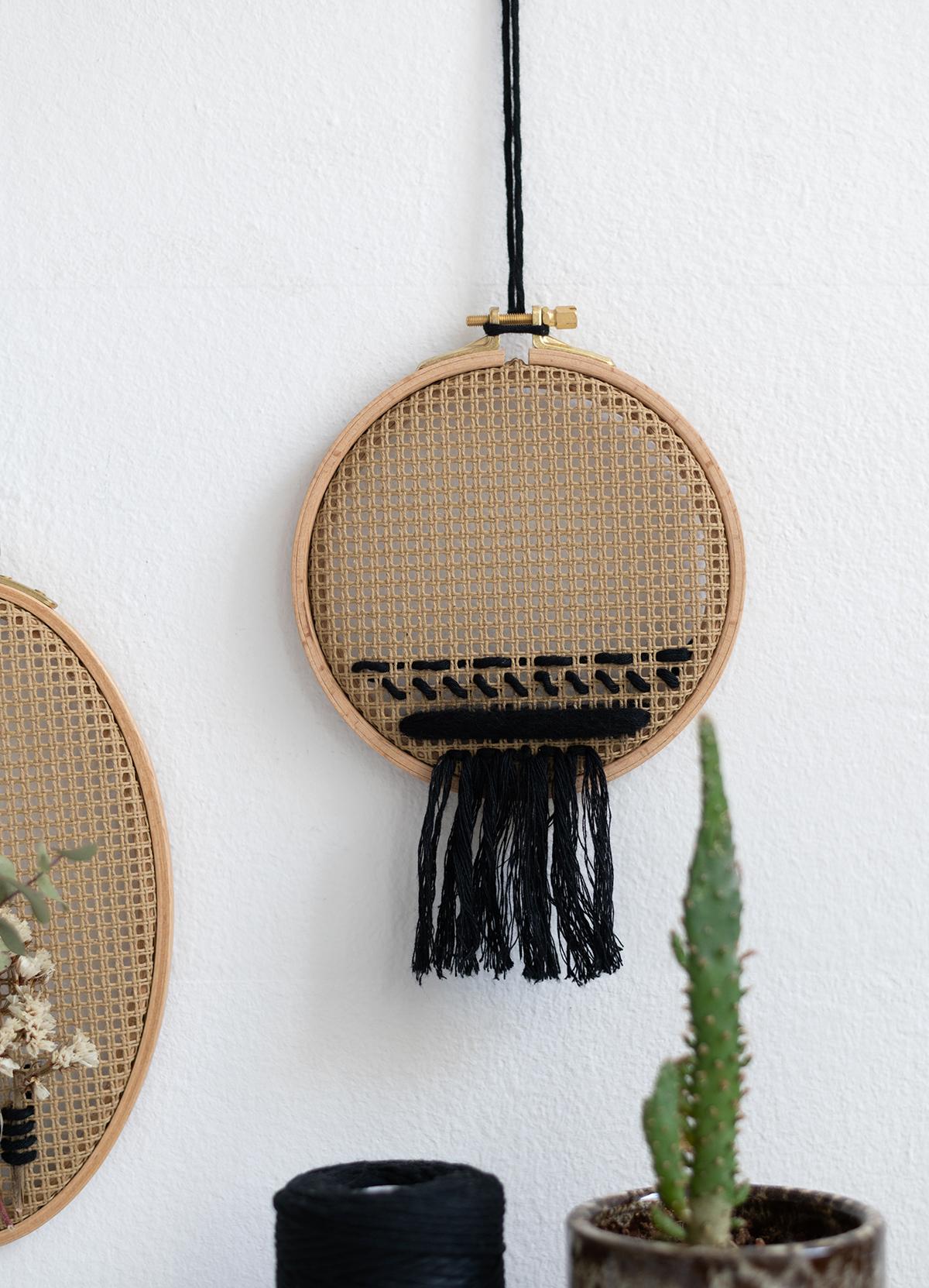 Boho-DIY: Wanddeko mit Stickring   we love handmade