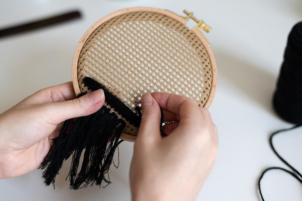 Boho-Wanddeko mit Stramin DIY   we love handmade